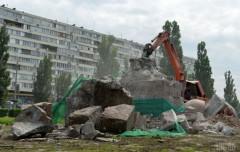 Демонтаж памятника Чекистам в Киева.  Фото http://www.pravda.com.ua